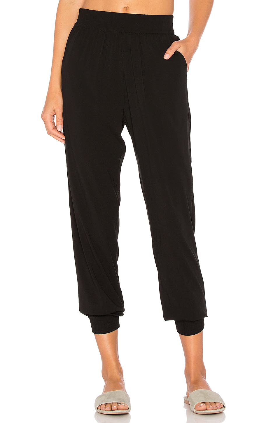 Indah Oskar Jogger in Black